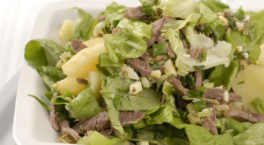 Зеленый салат с мясом | Рецепты с фото