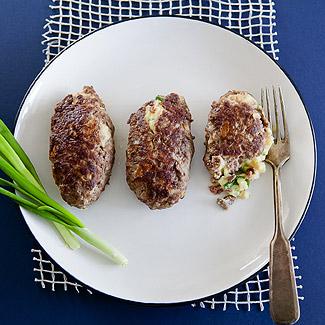 Зразы с картофельной начинкой в мультиварке | Рецепты с фото